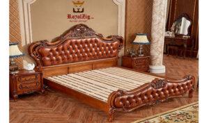 Tudor Antique Hand Carved Bed Brand Royalzig Online in India