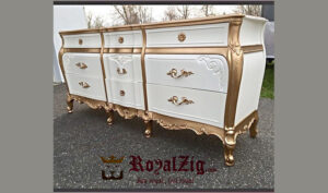 Elegant Italian Chest Of Drawers