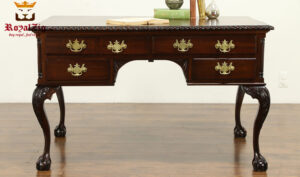 Elizabeth Antique Style Teak Wood Office Table