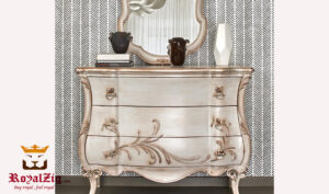 Elizabeth Classic Style Hand Carved Chest