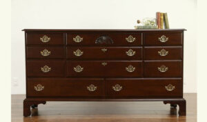 Isabella Antique Style Chest Dresser