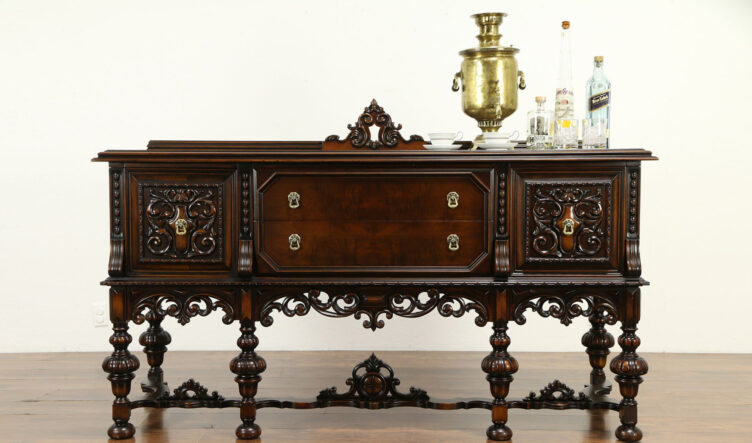Italian Antique Style High Carving Walnut Sideboard