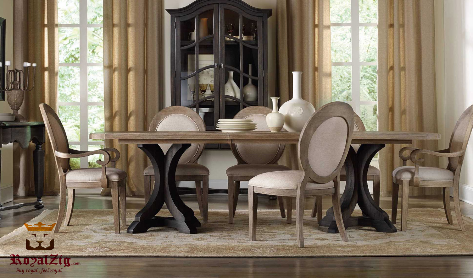 Palm Jumeirah Modern Luxury Round Dining Table