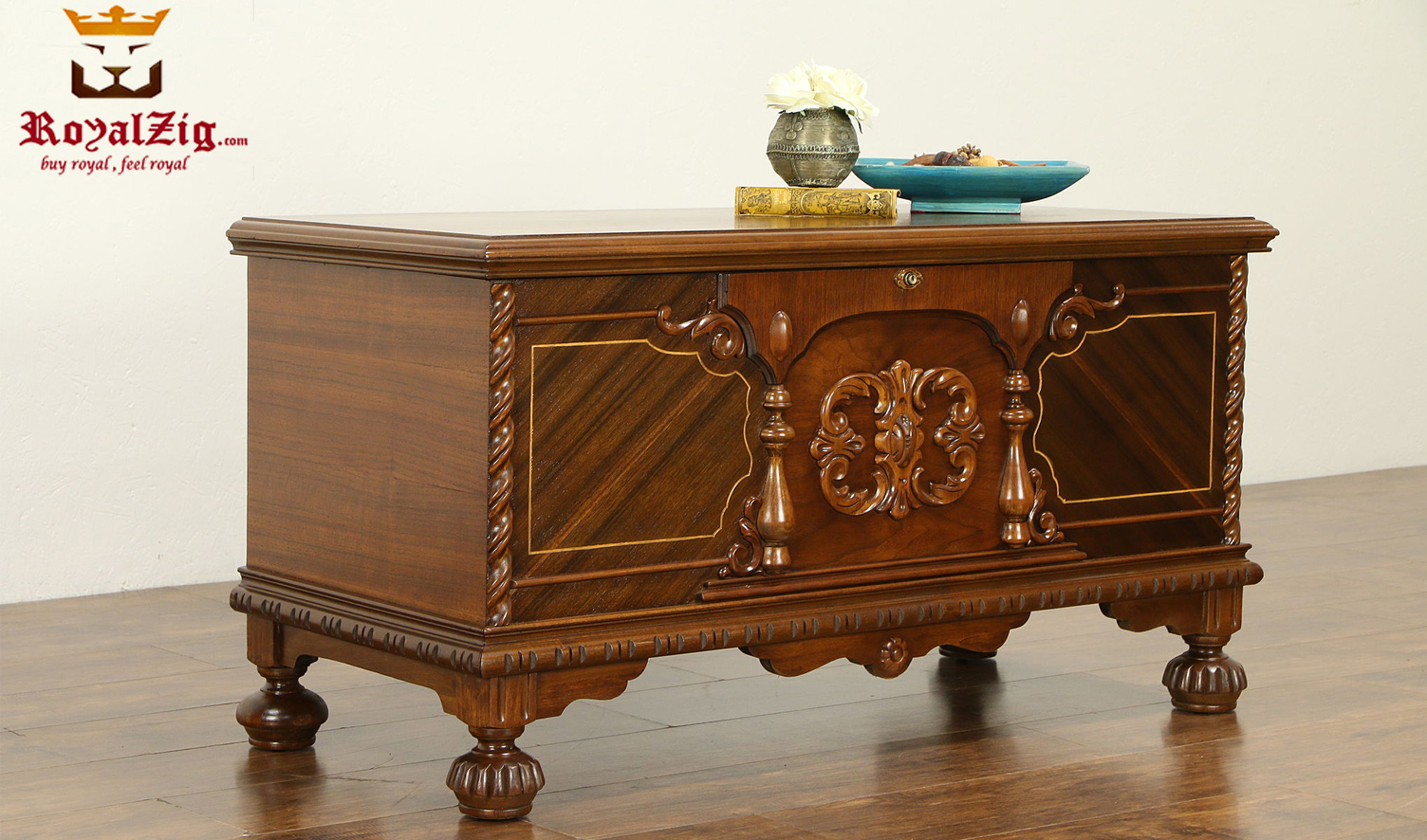 Royalzig French Style Trunk Blanket Chest