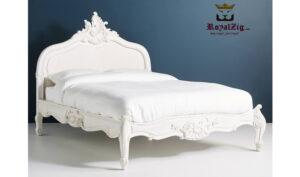 Antique Style Hand Carved Queen Bed Saharanpur (1)