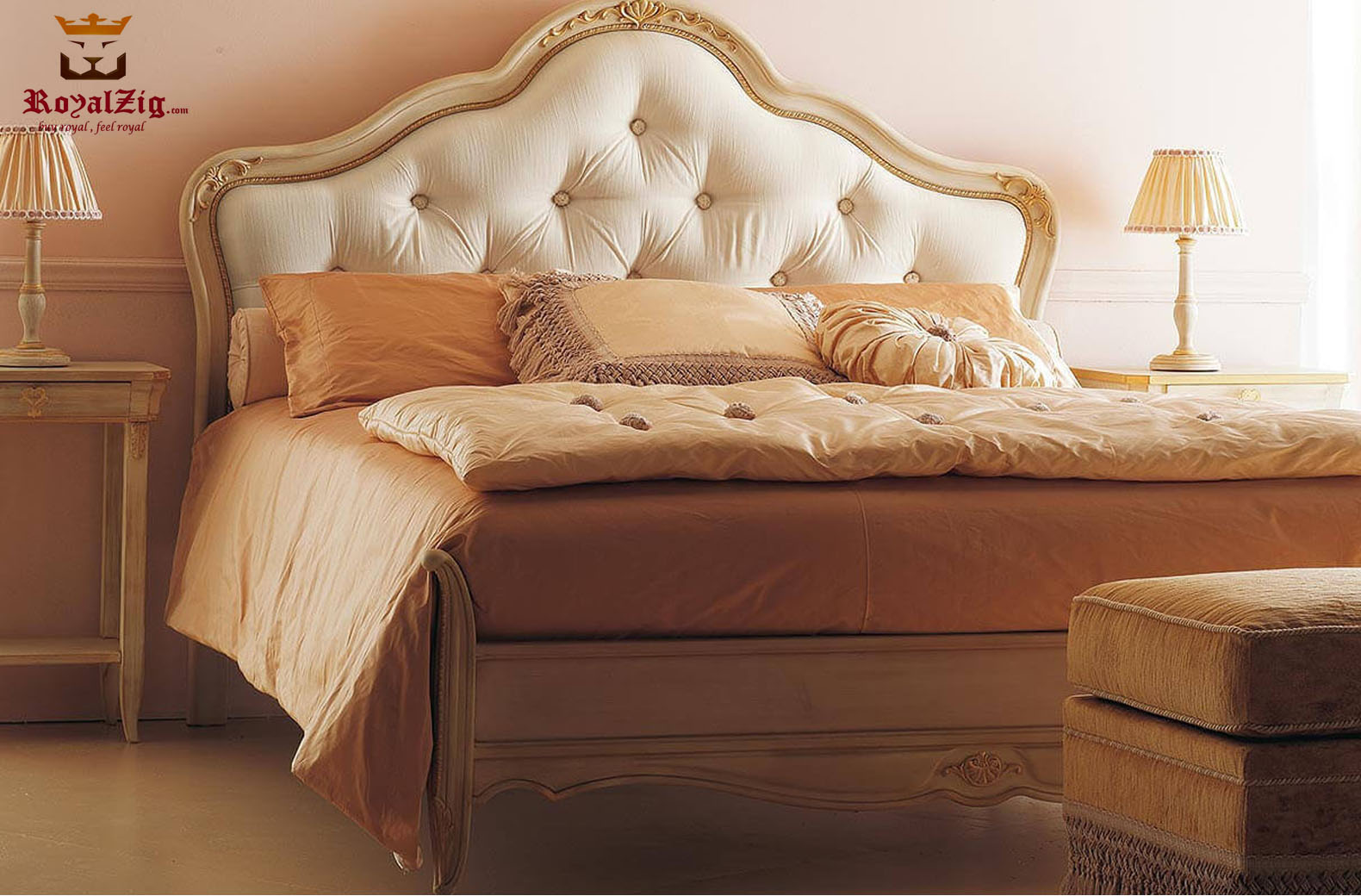 Chandigarh Classic Style Golden Wooden Bed 1